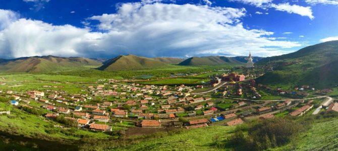 走进川西红原,集温暖、生命、绿色于一体的麦洼寺